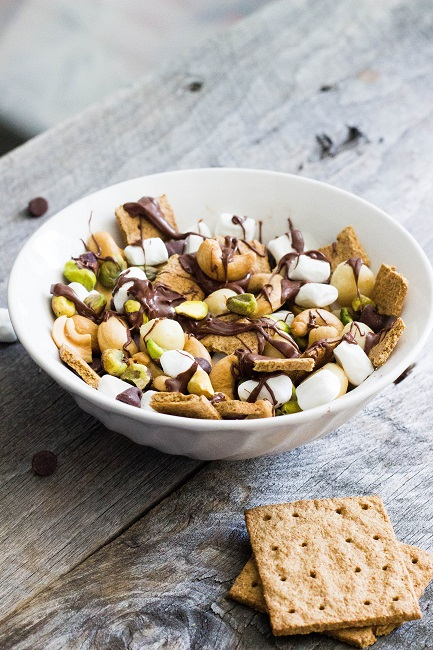 Dark Chocolate Peanut Butter S'mores Trail Mix - Eat Thrive Glow